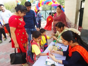 Toddlers Welcomed on First Day (6 April 2017)